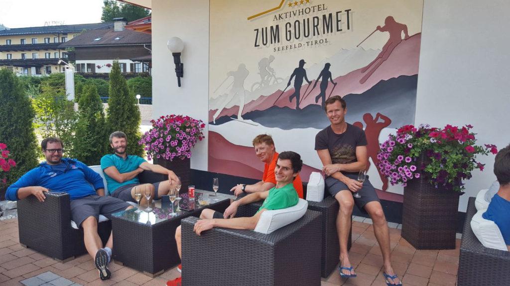 Gruppenfoto im Hotel