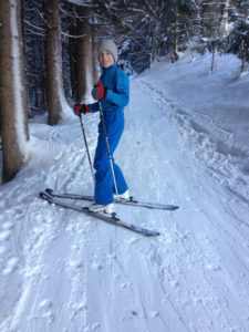 gemütlicher Waldweg am Skitourenberg Ronachkopf