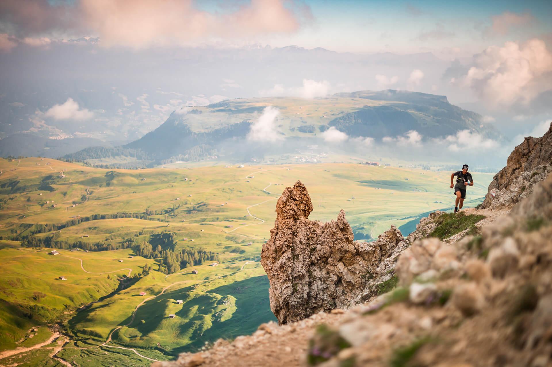 Die schönsten Laufstrecken in den Südtiroler Dolomiten © Seiser Alm Marketing Patrick Schwienbacher
