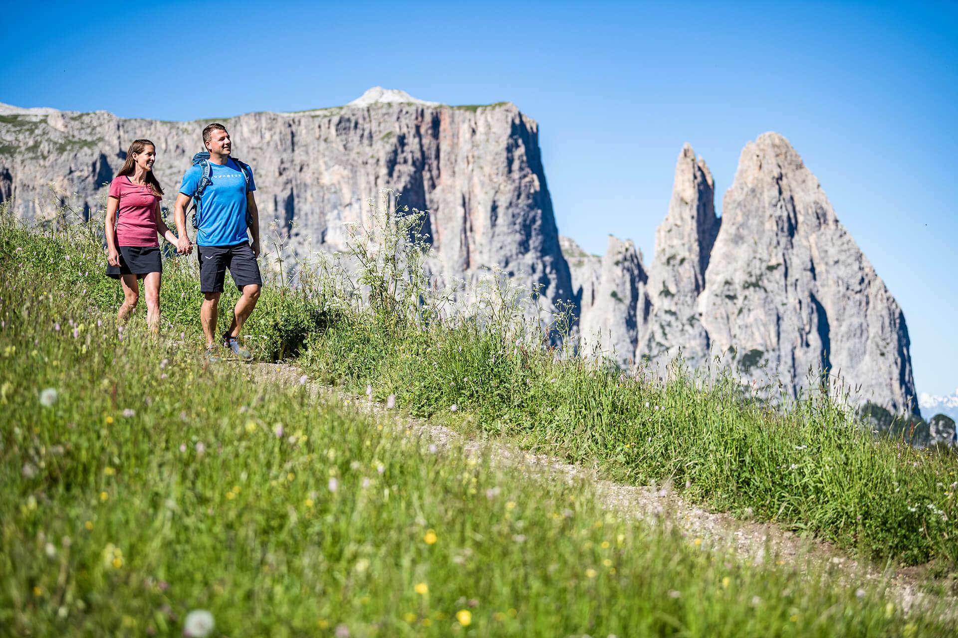 Wandern in einzigartiger Landschaft © Seiser Alm Marketing Werner Dejori